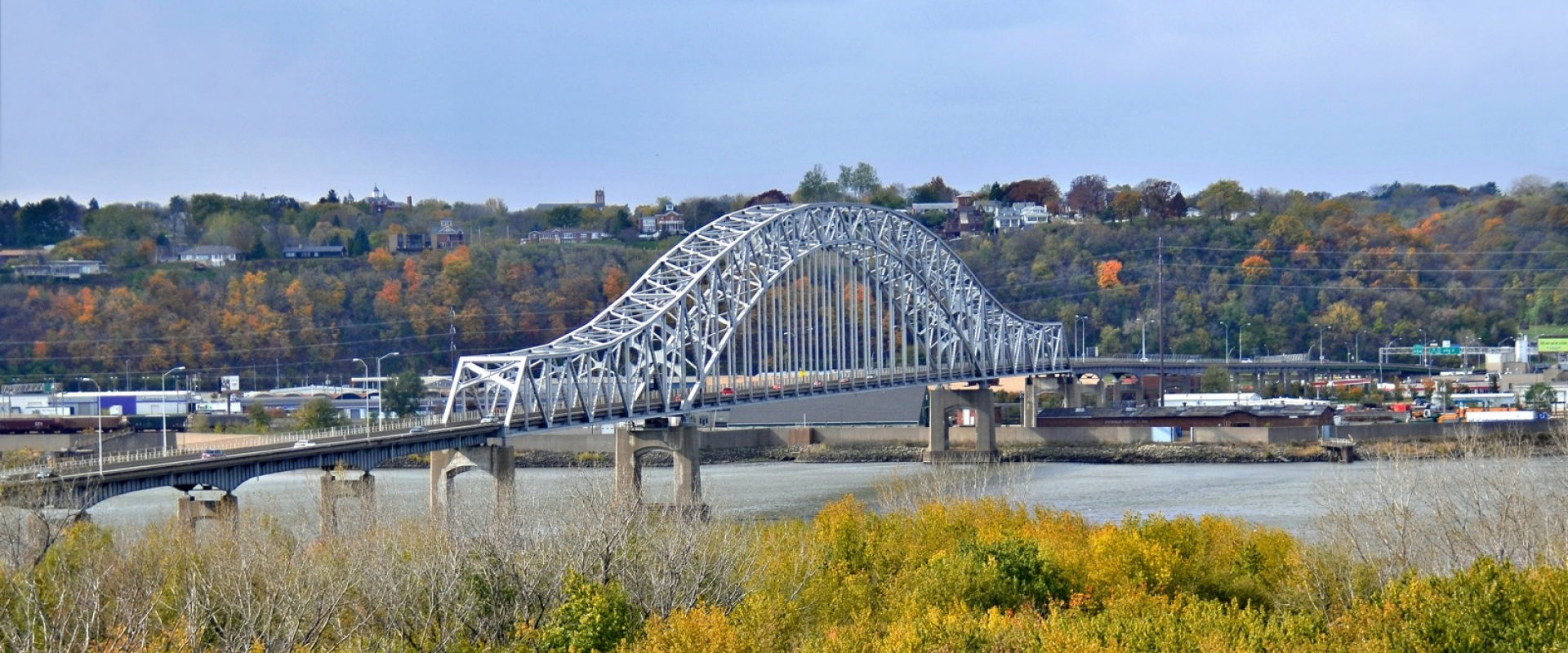 Dubuque_Iowa_Julien_Dubuque_Bridge